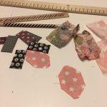Découpe et collage des volets de toutes les couleurs