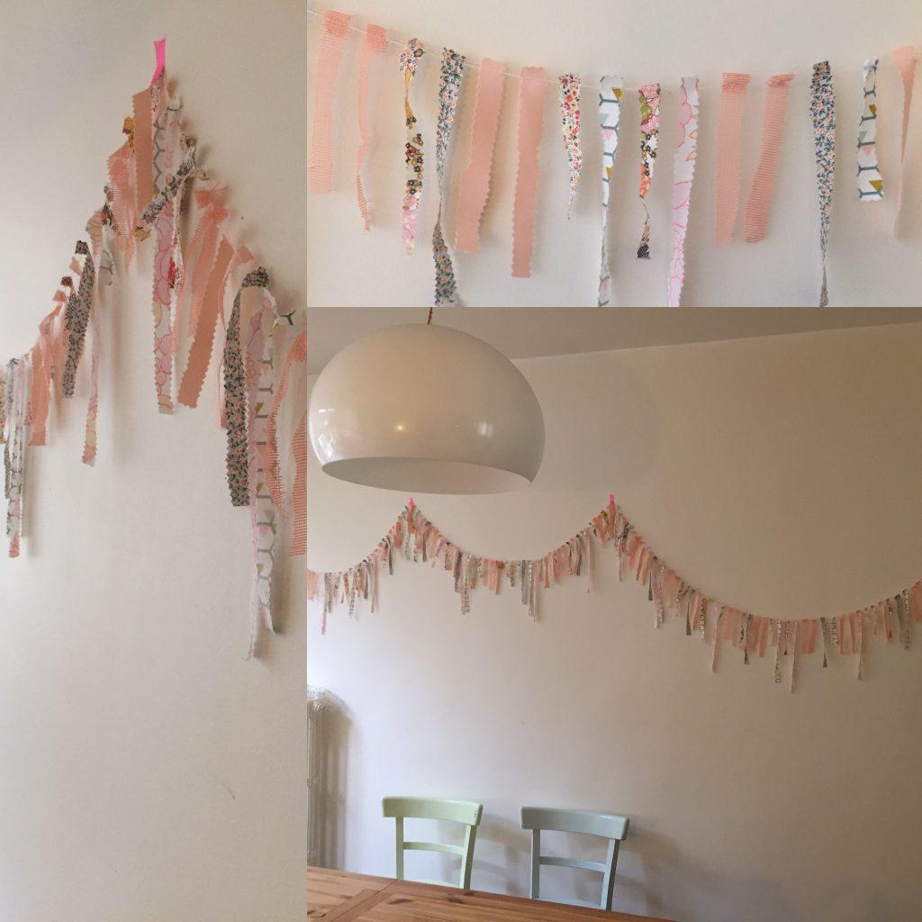 Maxi guirlandes de tissus, à faire courir sur les murs, ou au plafond... et beaucoup de patience pour assembler chaque frange !